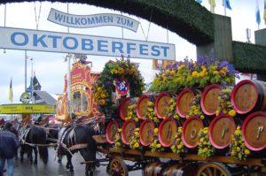 oktoberfest munique 300x199 - Oktoberfest de Blumenau: 34 anos de história
